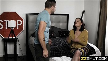 Секс от первого личика с миленькой студенткой